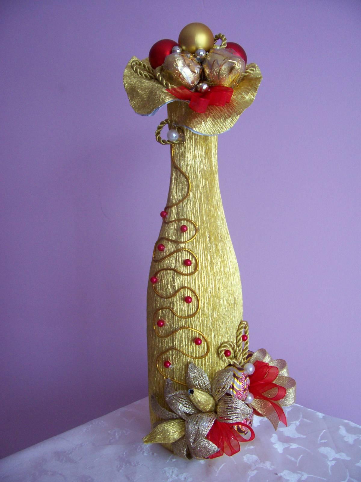 Оригинально украсить бутылку шампанского своими руками